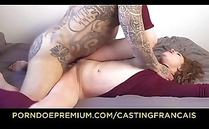 CASTING FRANCAIS - Naughty newbie Alice rides cock immutable then eats cum