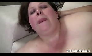 Brunette BBW Cutie with Bigtits Gets Pounded in the Couch