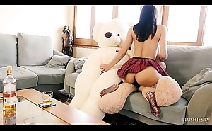 Valentina Bianco first time Threesome surrounding teddy bears