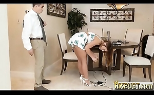 Tech guy comes  to abeyant out his bosses hot daughter