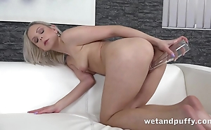 Sultry chick uses glass bottle in just masturbation